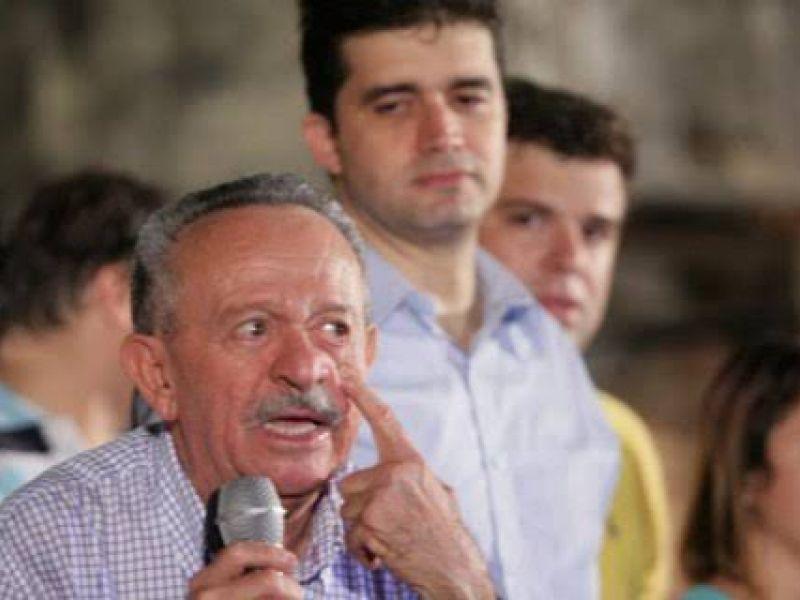 Oposição usa tempo de candidato a governo para atacar Renan Calheiros