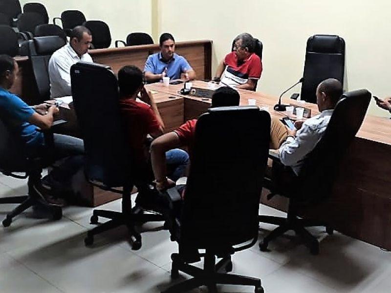 Derivan Thomaz coordena reunião sobre crime ambiental na APA do Marituba