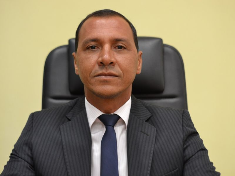 Rogério do Peixoto destaca recuperação da Escola Municipal Cândido Toledo