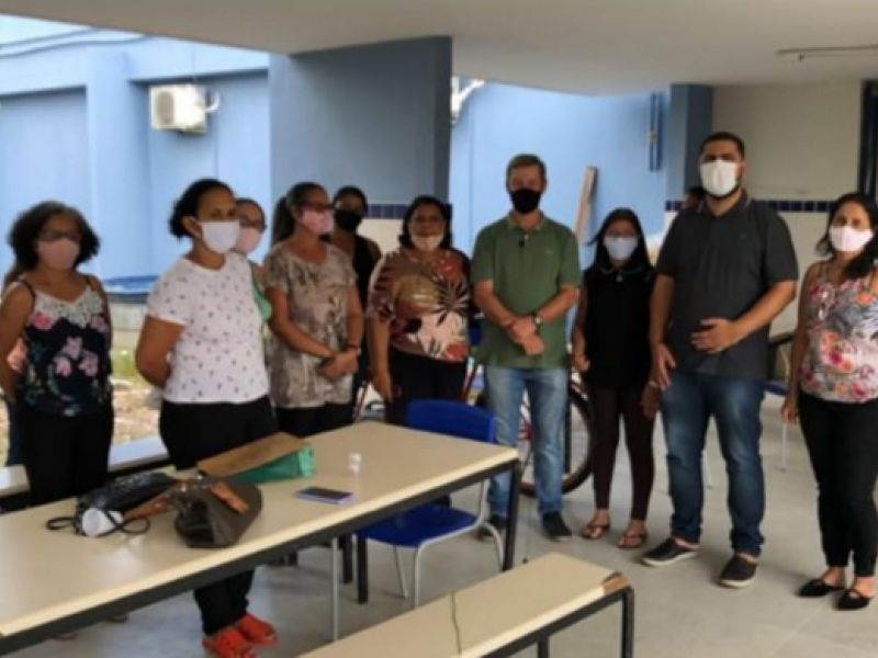 Deputados votam melhorias para a escola estadual Ernani Méro, em Penedo