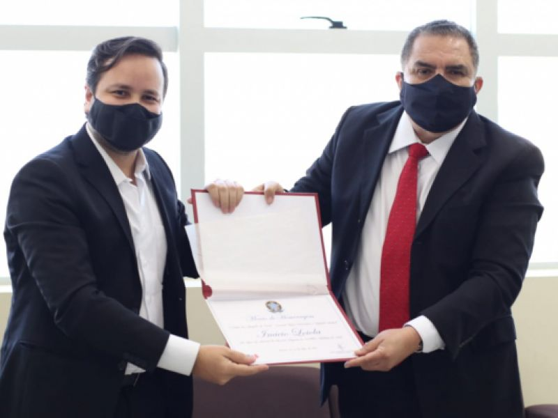 Deputado estadual Inácio Loiola recebe homenagem da OAB/AL