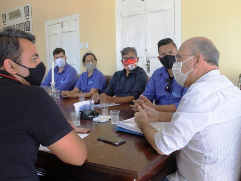 Ronaldo Lopes abre diálogo sobre concessão do SAAE com servidores da autarquia