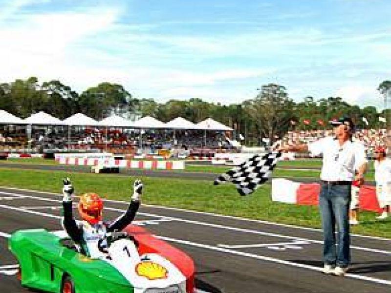 Schumacher vence 1ª etapa do Desafio das Estrelas