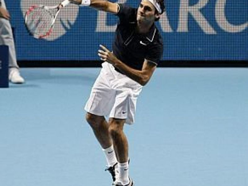 Federer vence na estréia do ATP Finals