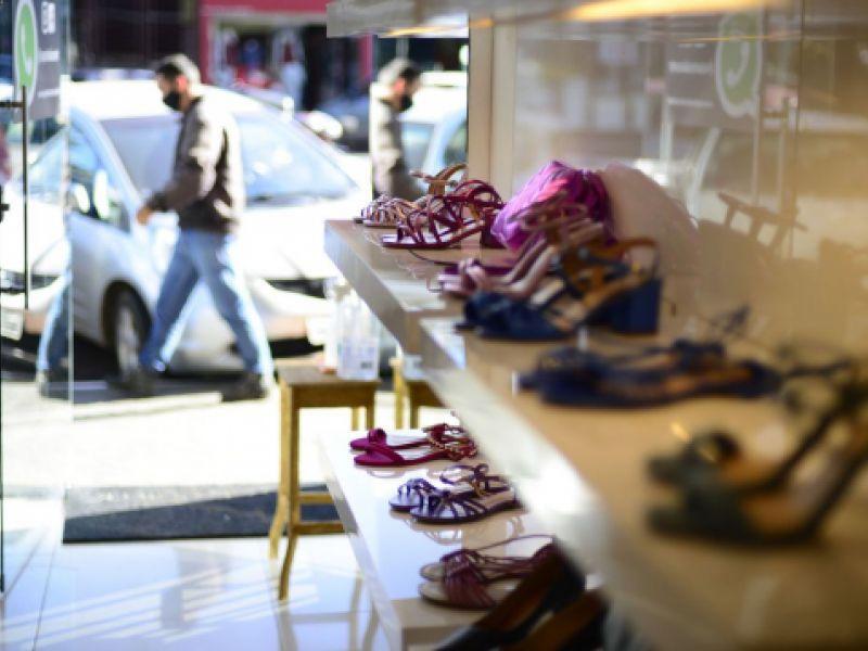 Confianças do comércio e serviços sobem em julho, diz Fundação Getulio Vargas