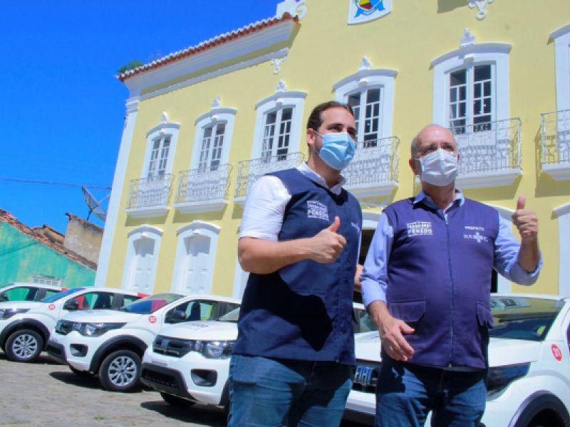 Secretaria de Saúde de Penedo recebe novos veículos