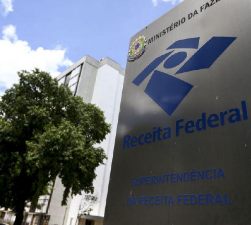 Receita Federal paga hoje restituições do terceiro lote do Imposto de Renda