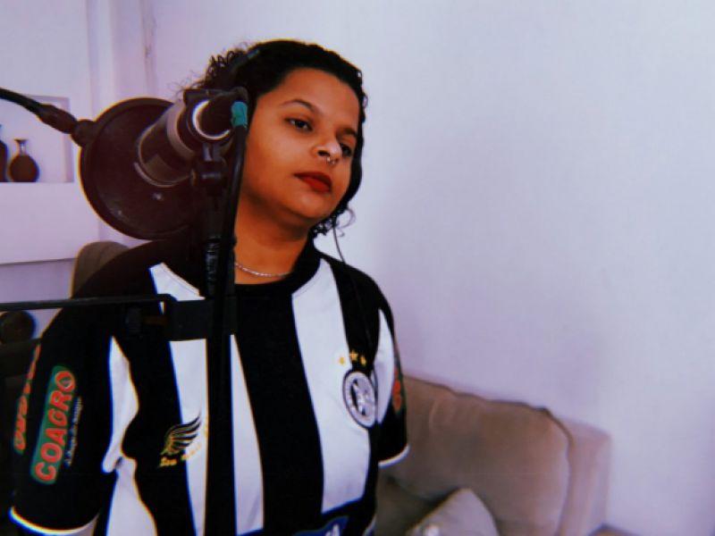 "Cantora arapiraquense lança novo single ""Lama"" unindo Rao, Nordeste e África"