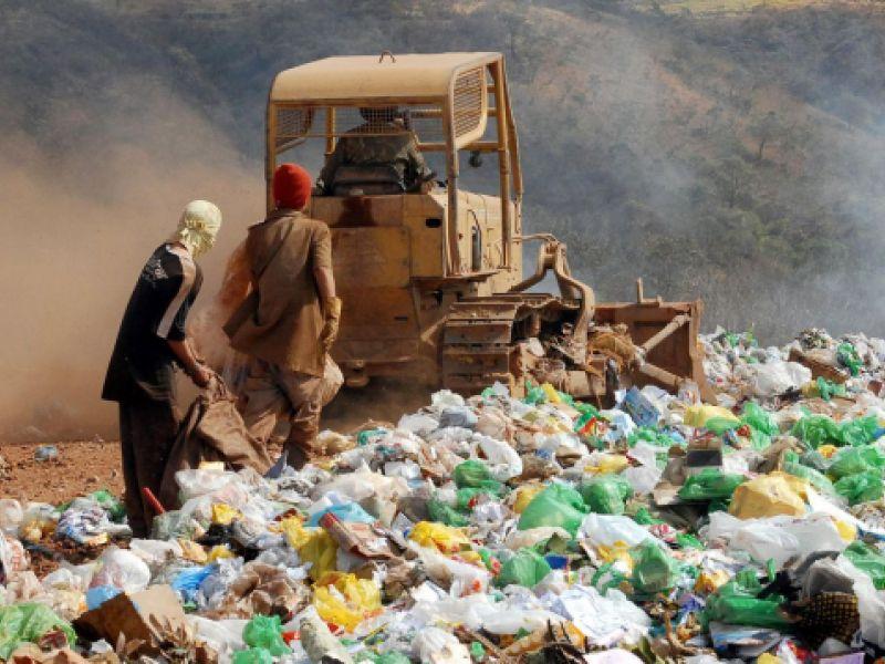 Geração de resíduos domiciliares e urbanos cresce na quarentena contra a pandemia de covid-19