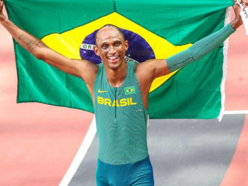 Olimpíada: o brasileiro Alison dos Santos é bronze nos 400 m com barreiras