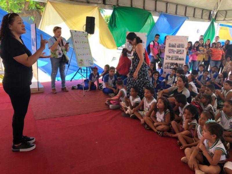 Educação especial transforma realidade de estudantes surdos em Maceió