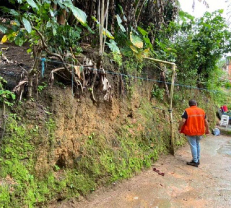 Defesa Civil emite alerta orientando sobre riscos após acumulados de chuva em Maceió