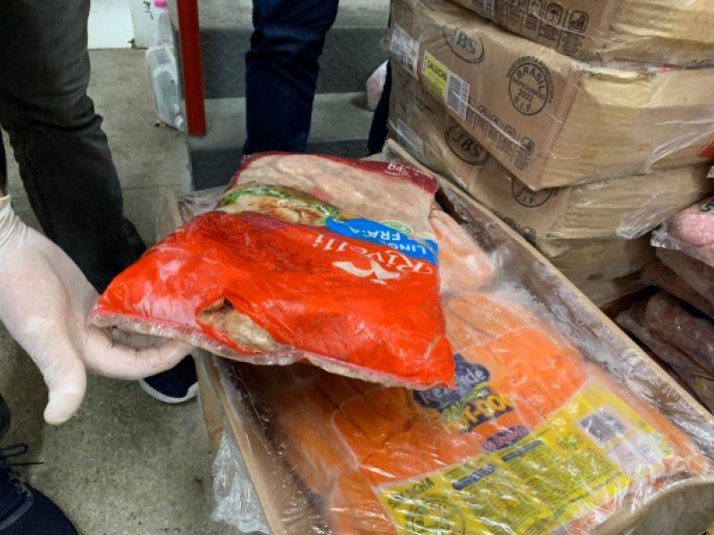 Vigilância interdita padaria e apreende mais 1.360kg de alimentos impróprios