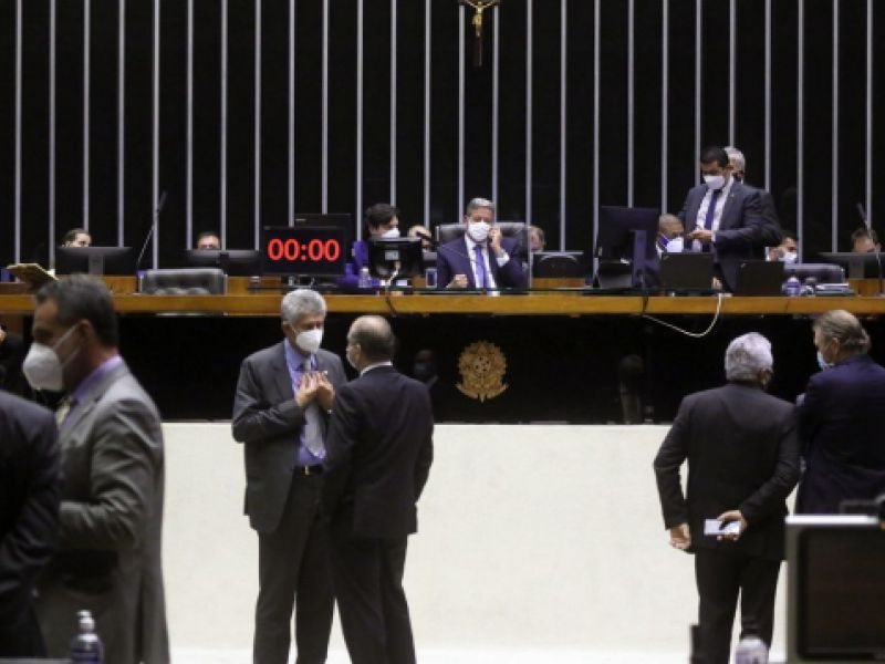 Câmara conclui votação da PEC da reforma eleitoral em 2º turno