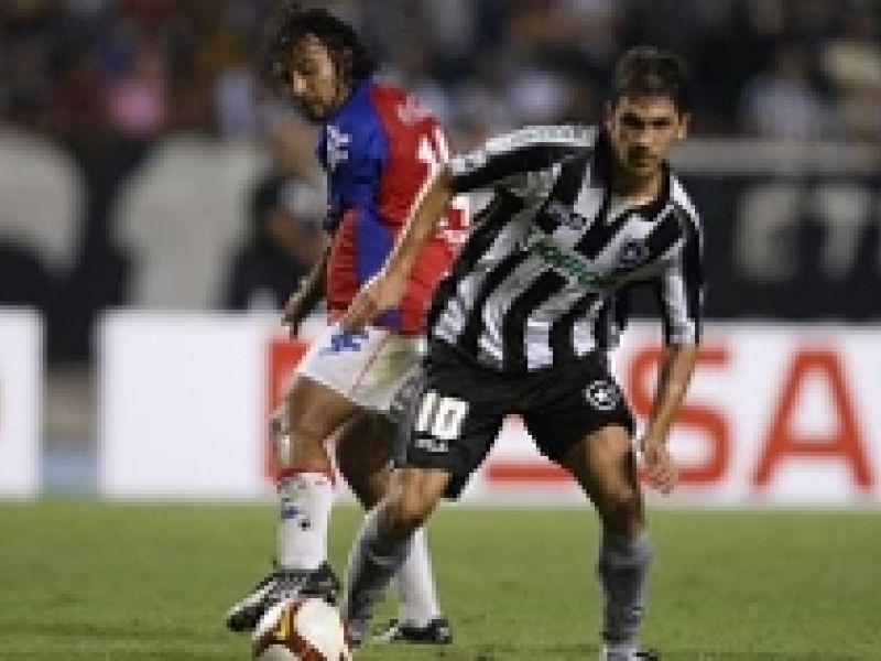 No Engenhão, Botafogo perde e dá adeus à Sulamericana