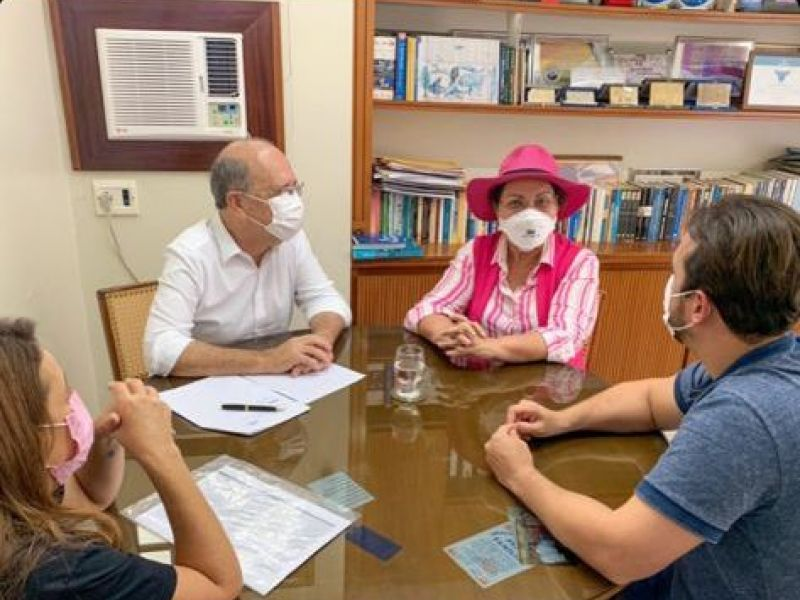 Em Penedo, deputada Tereza Nelma anuncia destinação de emendas para o município