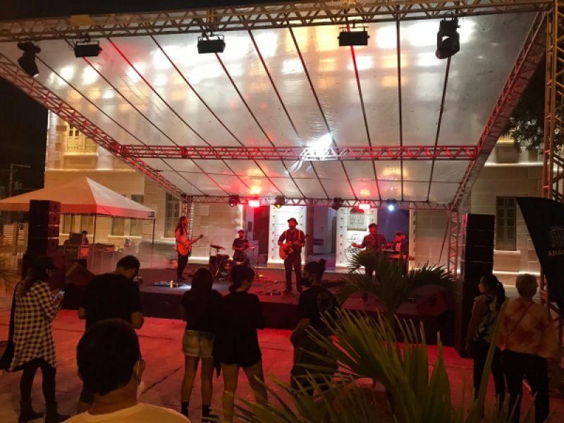 Estreia do Festival de Artes Cênicas encanta aracajuanos em noite de espetáculos