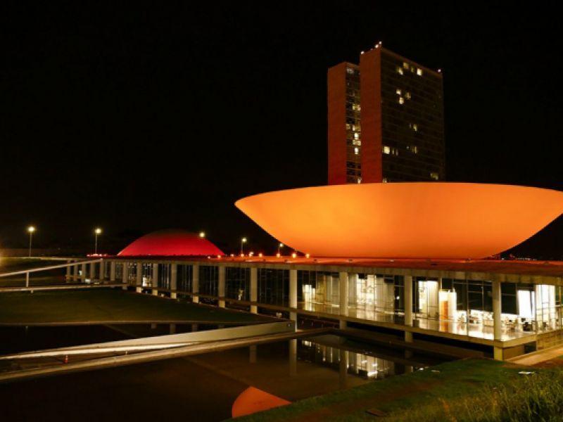Iluminação laranja celebra o Dia Mundial do Doador de Medula Óssea neste sábado