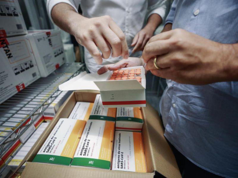 Covid-19: Alagoas recebe mais 141 mil doses de vacinas nesta segunda-feira (20)