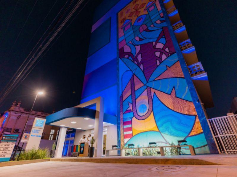 Prefeito JHC participa da inauguração do Ibis Budget e reforça o fortalecimento do turismo