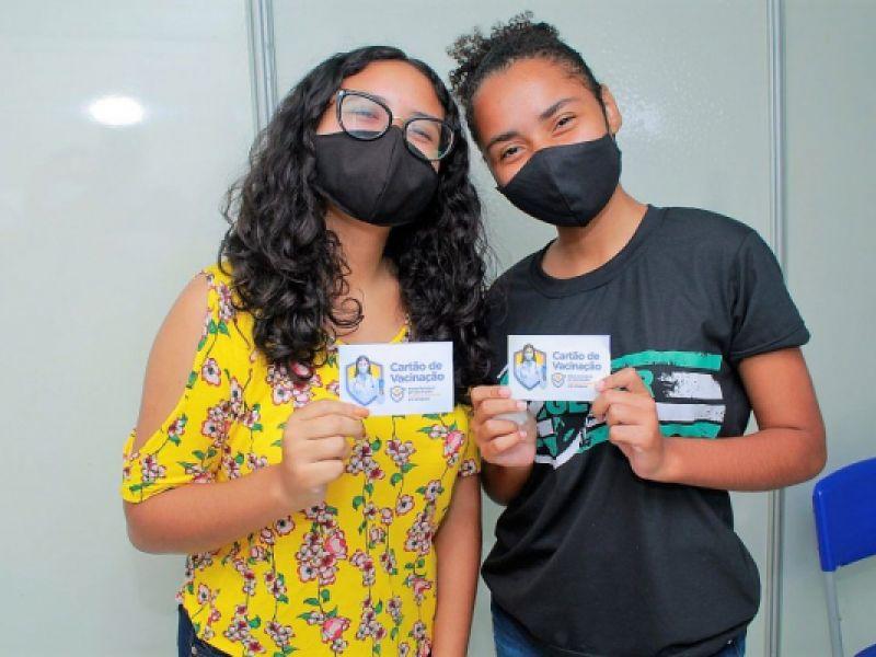 Adolescentes voltam a ser vacinados contra Covid em Penedo