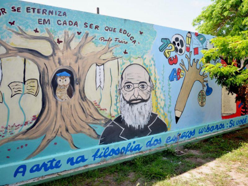 Centro de Excelência Vitória de Santa Maria celebra primeiro lugar no concurso Pintando Muros