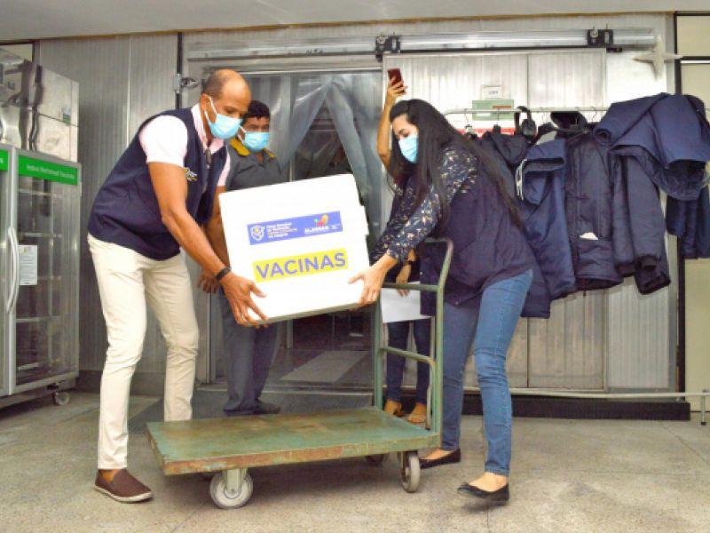 Alagoas recebe 79.520 mil doses de vacinas contra a Covid-19 nesta sexta-feira (24)