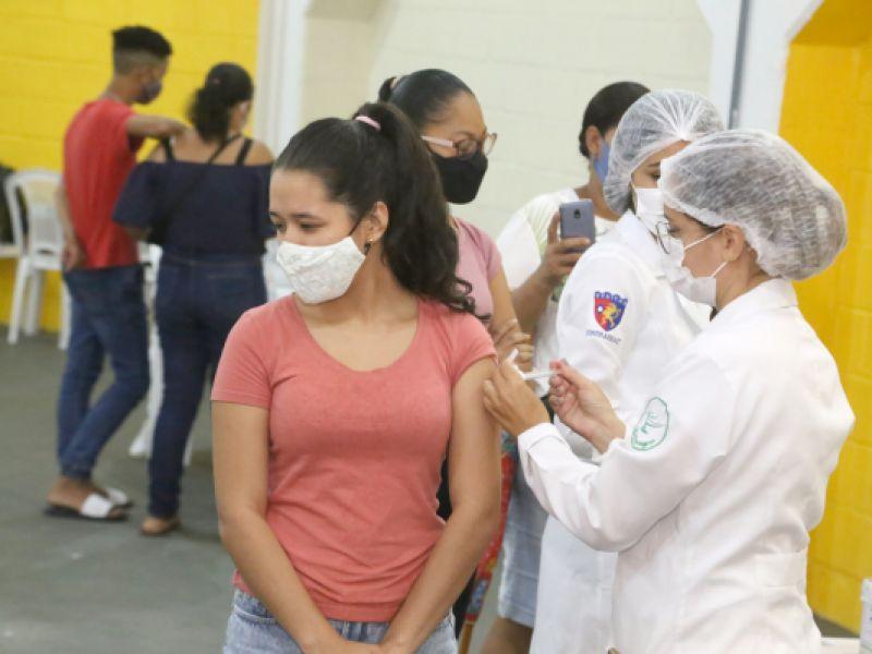 Aracaju: capital sergipana vacinou 4.558 pessoas nesta sexta-feira, 24