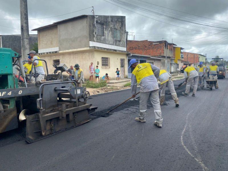 Maceió Tem Pressa: Infraestrutura pavimenta ruas no Village Campestre II
