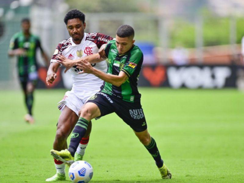 Com gols no fim, América-MG e Flamengo empatam pelo Campeonato Brasileiro