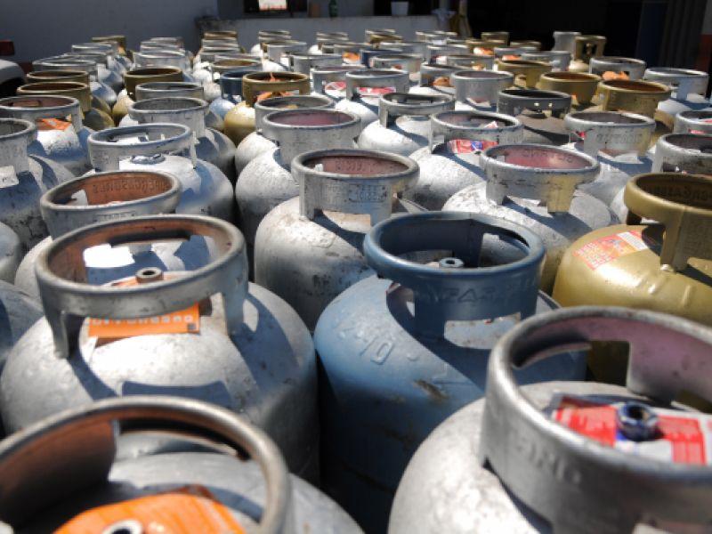 Câmara dos Deputados aprova auxílio gás para famílias de baixa renda