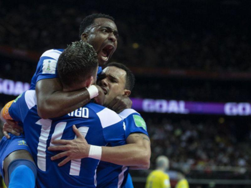 Brasil vence Cazaquistão de virada, por 4 a 2, e leva bronze no Mundial de Futsal