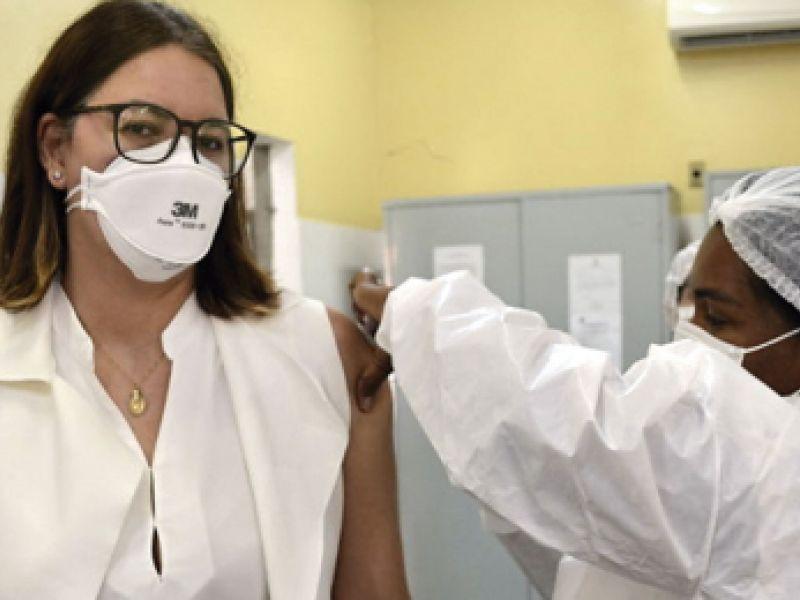 Secretaria de Saúde começa a distribuição de vacinas para dose de reforço em trabalhadores da Saúde