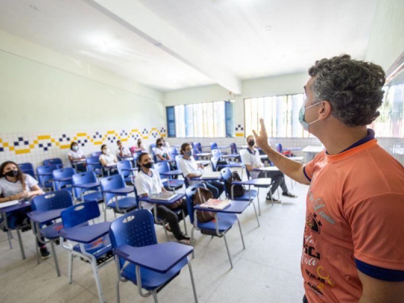 Escolas de Alagoas terão que comunicar aos pais as ausências dos filhos na sala de aula
