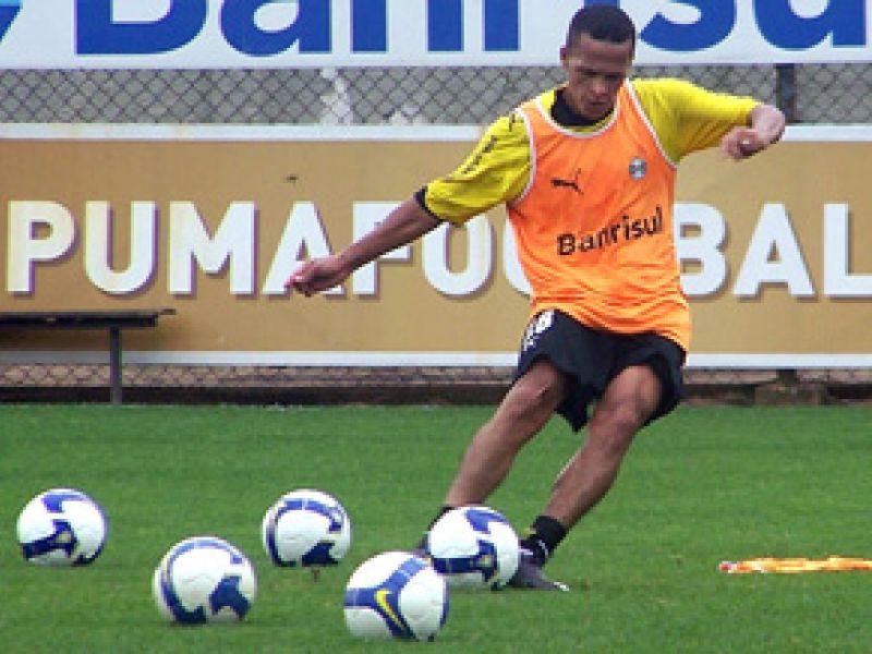 Alagoano Souza acredita no Grêmio