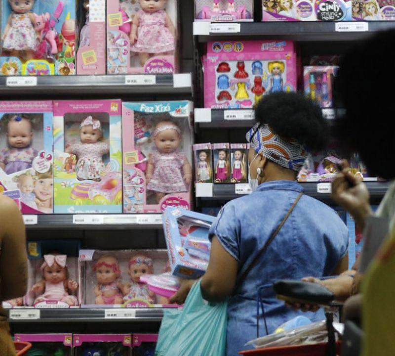 Rio de Janeiro permite lotação máxima em shoppings, atrações culturais e de lazer
