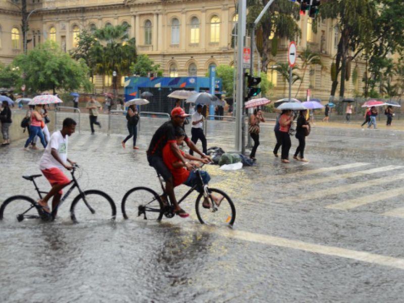São Paulo mantém previsão de tempo instável com risco de alagamentos