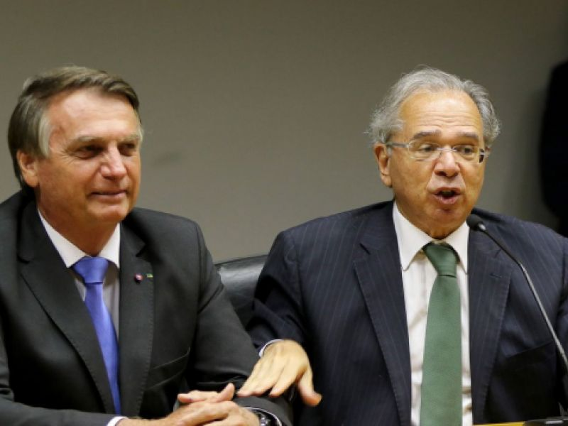 Presidente Jair Bolsonaro diz que valor de auxílio foi decidido com responsabilidade