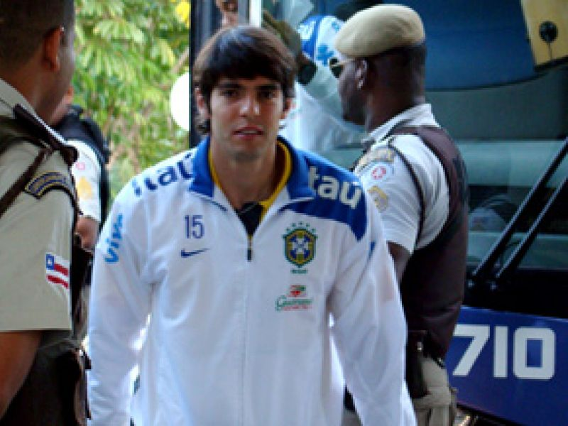 Seleção é recebida com festa em Salvador