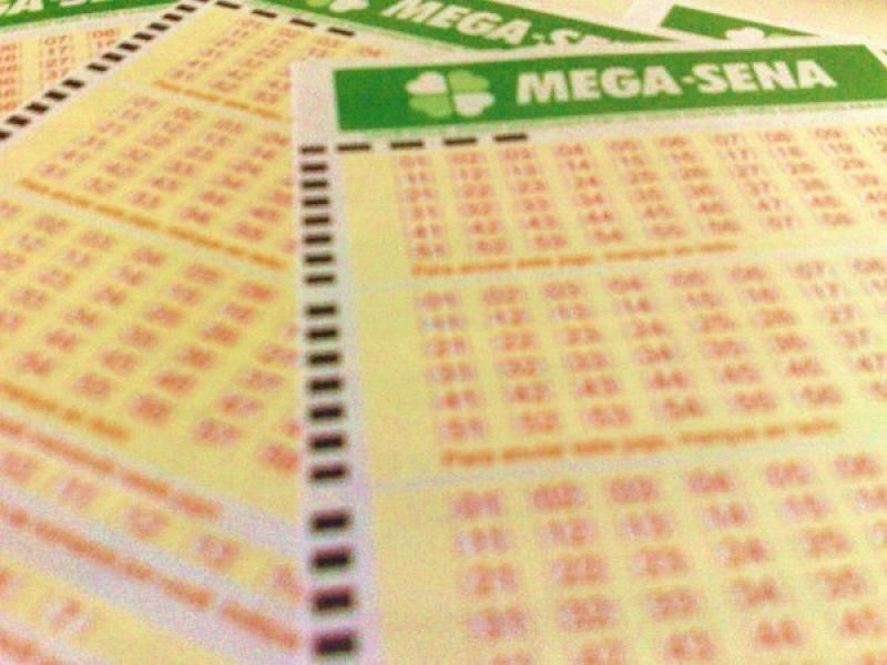 Mega-Sena acumula e sorteará R$ 15 milhões