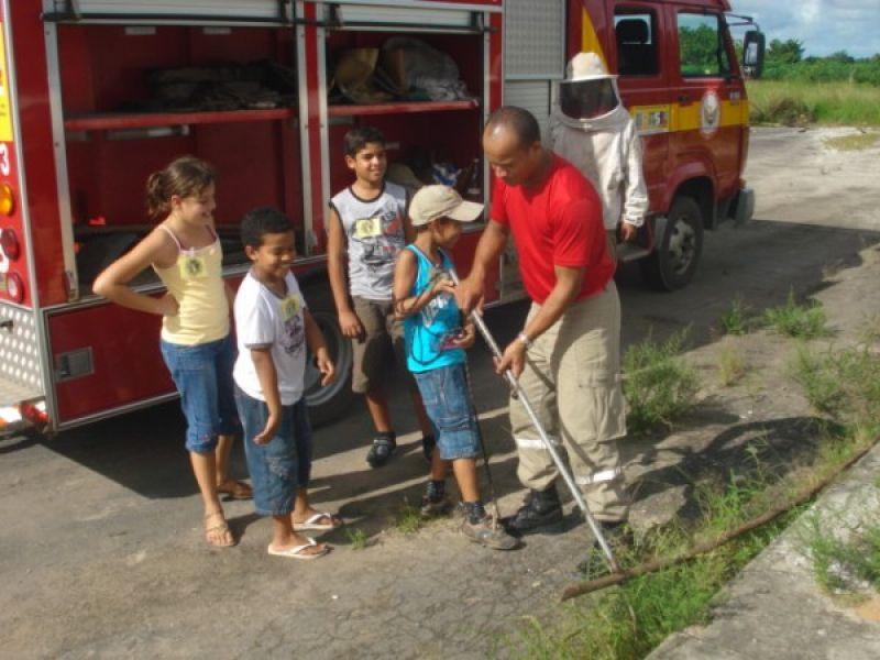 """""""Bombeiro Por Um Dia"""" realiza sonhos de crianças em Penedo"""