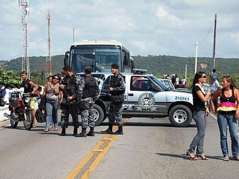Rodoviários desbloqueiam rodovias