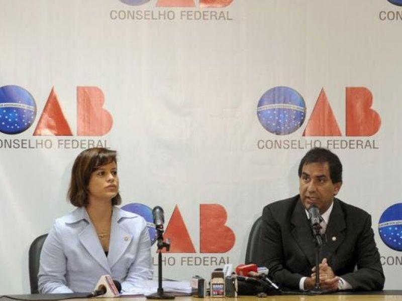 Vídeo: OAB decide pedir impeachment de Arruda (DEM)